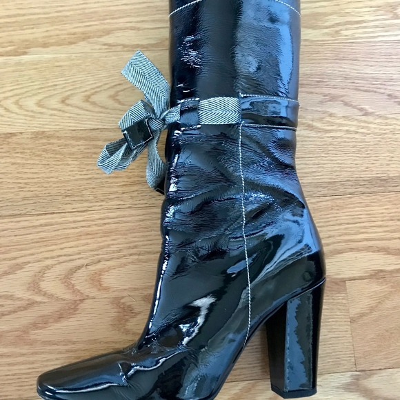 ec9725a99039 Miu Miu Patent Leather Boots. M 5c657af1c9bf504934420101